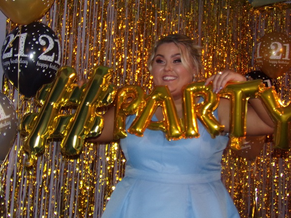 hashtag party 21st gold backdrop
